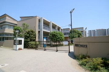 浦安市立 高洲小学校の画像
