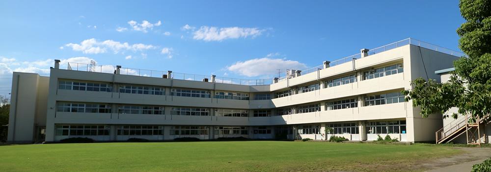 浦安エリアの学校の外観
