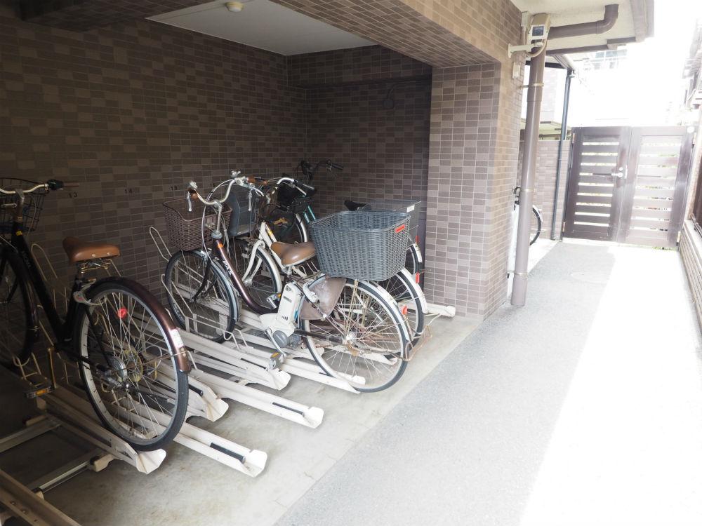自転車置き場の画像